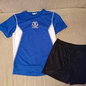 Футбольная форма или комплект на физкультуру на рост 146-152 в идеале