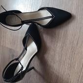 Не пропустіть! Дуже стильні, оригінальні, зручні туфлі! стан нових! устілка нат.шкіра.
