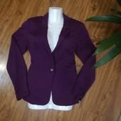 Отличный трикотажный пиджак размер10 евро р