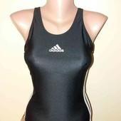 Спортивний купальник Adidas.