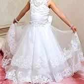 Платье нарядное новое состояние!