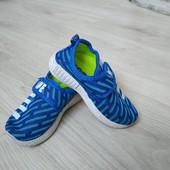 Легкие кроссовки для мальчика