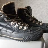 Утепление ботиночки натуральная кожа в очень хорошем состоянии размер 26 стелька 16 см