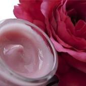 «Розовый» крем для увядающей кожи (с эффектом подтяжки)