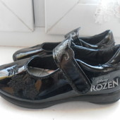 Лаковые туфли Frozen Disney состояние очень хорошее