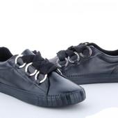Последний 40 размер. Женские кроссовки, удобные и практичные. Рекомендую!