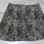 Фирменная красивая юбка в анималистический принт в состоянии новой вещи р. 12-14