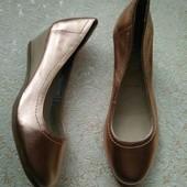 San Marina, новые натуральные фирменные туфли 36р.
