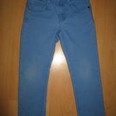 Яркие летние стрейчевые джинсы Benetton без дефектов!4-6 л и р 110-116 см!