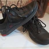 Фирменные натуральная кожа кроссовки Nike размер 37