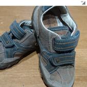 Фирменные кроссовки GEOX в хорошем состоянии