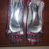 Класні балетки для дівчинки, нові, розмір 38.