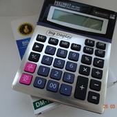 Большой очень качественный калькулятор с большим дисплеем