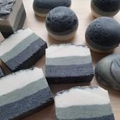 """""""Розмарин,лаванда,кедр"""" - натуральное соляное мыло с углем и голубой глиной"""
