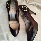 Шикарные женские туфли лодочки Gucci, производитель Италия. Размер 40-25,7 см. Качество!