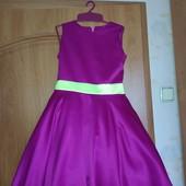 Платье нарядное новое р.122-128