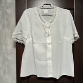Фирменная новая красивая блуза с ажурными вставками р.18-22
