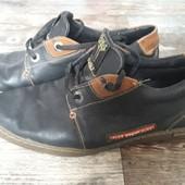 41р. Кожаные кроссовки