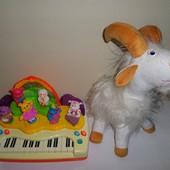Набор игрушек. Пианино, козлик.
