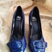 Женские качественные туфли Burberry, производитель Англия. Размер 36 - 23,5 см.