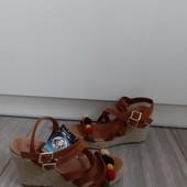 Натуральная замша вверх +натур кожа внутри фирменые Германия колекция Esmara Хайди Клум с бирками 38