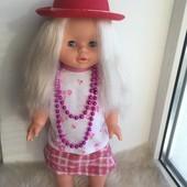 Красивая куколка 40см. Поёт песню и ходит!!!