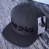Фирменная кепка, бейсболка / реперка / германия / outfitfabrik / на оф. сайте от 30 евро
