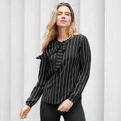 Черно-белая полосатая блуза с завязками от Tchibo(Германия), размеры наши: 42-44 (36 евро)