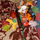разные игрушки книга одним лотом