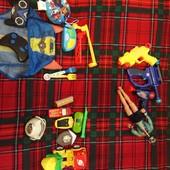 Много игрушек одним лотом