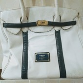 Фірмова сумочка