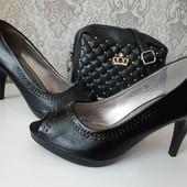 Мягенькие удобные туфли на каждый день. Размер на выбор.