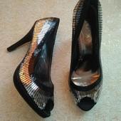 Ju'a, новые фирменные эффектные туфли 38р.