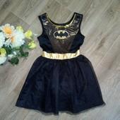 Красивое нарядное платье Бэтвумэн, 7-8 лет. Состояние отличное