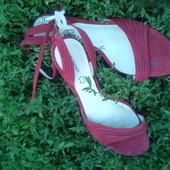 Взуття 37 розміру на вибір