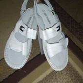 Женские светлые летние кожаные босоножки.сандалии на липучках.Кожа!!!