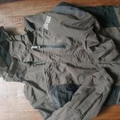 Классная Деми курточка на мальчика на рост до 146 см , подкладка флис