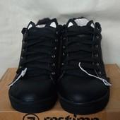 Классные фирменные кроссовки,одевались пару раз, стелька 27 см