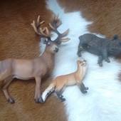 Лиса ,олень, кабан, schleich в лоте все три фигурки .
