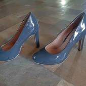 Шикарные туфли длинна стельки 24.3 см