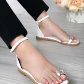 Аккуратные стильные и удобные босоножки!2 цвета! Очень красиво на ножке,подходят под все!