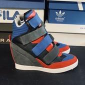 Сникерсы р37 (24см) кроссовки на танкетке Распродажа последних размеров - 70%