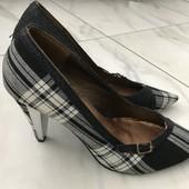 Туфлі класичні, стильні