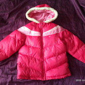 Шикарная теплая мягенькая дутка Osh Kosh на 6-8 лет не сток не секонд и идеале