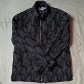 Плотный мужской пиджак на молнии,в идеале! Очень крутой! S/m