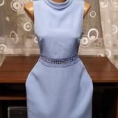 Красивое фирменное платье с кружевом р.46. New look