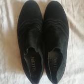 Шкіряні фірмові туфлі 42 розмір
