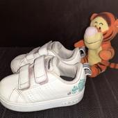 Белые кроссовки Adidas, ориг. Вьетнам, разм. 20 (12 см по бирке, реально 13,5 см).
