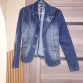 Класна джинсова куртка*