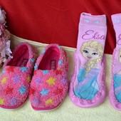 Тапочки на девочку 30 размер и тапочки-чешки с Эльзой одним лотом!